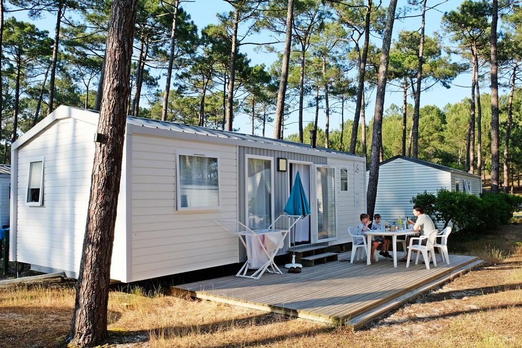 mobilheim holland roermond camping niederlande g nstiger campingurlaub holland. Black Bedroom Furniture Sets. Home Design Ideas